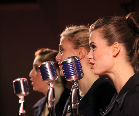 """Matrícula para """"Song Sung True"""", curso de inglés para cantantes"""